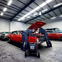 Nederland, Schiedam , 7 november 2012..Kijkje in de garage met Amerikaanse Oldtimers van Oldtimers SCL Rotterdam..Foto:Jean-Pierre Jans