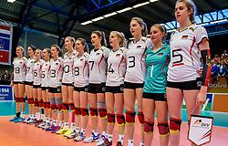 04-04-2017 NED:  CEV U18 Europees Kampioenschap vrouwen dag 3, Arnhem<br /> Duitsland - Nederland 3-1 / Nederland verliest kansloos van Duitsland met 3-1 - Line up Duitsland
