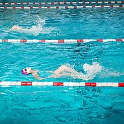 les CE2 à la piscine
