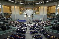 18 OCT 2005, BERLIN/GERMANY:<br /> Uebersicht Plenarsaal, waehrend der konstituierenden Sitzung des 16. Deutschen Bundestages, Reichstagsgebaeude<br /> IMAGE: 20051018-01-053<br /> KEYWORDS: Plenum, Übersicht, Bundesadler