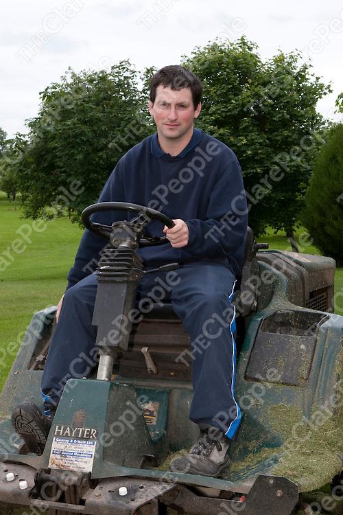 11/6/2012  Keith Hogan(21), general groundsman at Woodstock Golf Club.<br /> Photograph Liam Burke/Press 22