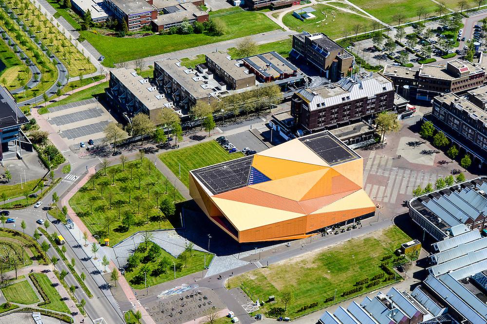 Nederland, Flevoland, Lelystad, 08-09-2009. Centrum Lelystad,  Agoratheater en congrescentrum.<br /> Lelystad city centre with  Agora theater.<br /> luchtfoto (toeslag op standard tarieven);<br /> aerial photo (additional fee required);<br /> copyright foto/photo Siebe Swart