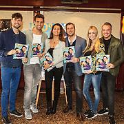 NLD/Volendam/20150305 - Winston Gerschtanowitz onthult grootste 100%NL Magazine aller tijden, Nick & Simon, Simon Keizer