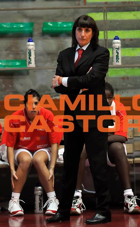 DESCRIZIONE : Livorno LBF Women Livorno Cras Basket Taranto<br /> GIOCATORE : Cinzia Piazza<br /> SQUADRA : Women Livorno<br /> EVENTO : Campionato Lega Basket Femminile A1 2009-2010<br /> GARA : Women Livorno Cras Basket Taranto<br /> DATA : 18/10/2009 <br /> CATEGORIA : coach<br /> SPORT : Pallacanestro <br /> AUTORE : Agenzia Ciamillo-Castoria/A.Bizzi
