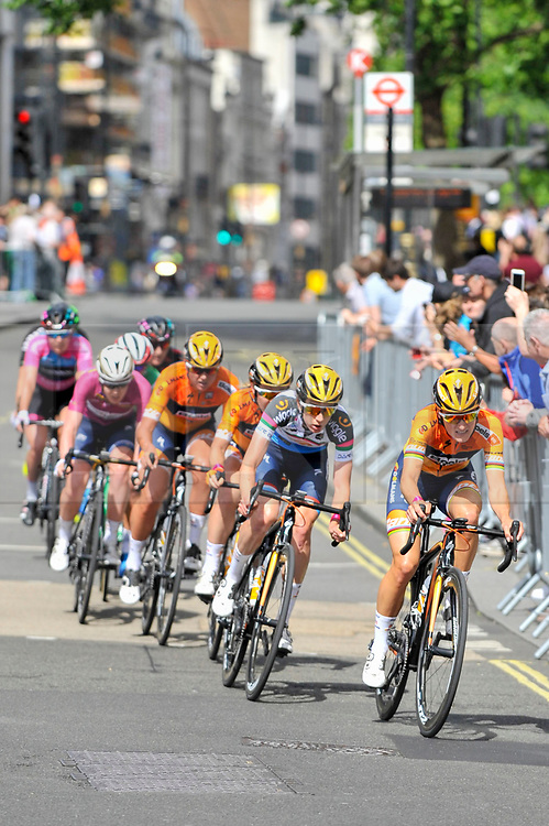© Licensed to London News Pictures. 11/06/2017. London, UK. Riders take part in the 62km London stage of the OVO Energy Women's Tour.  Photo credit : Stephen Chung/LNP