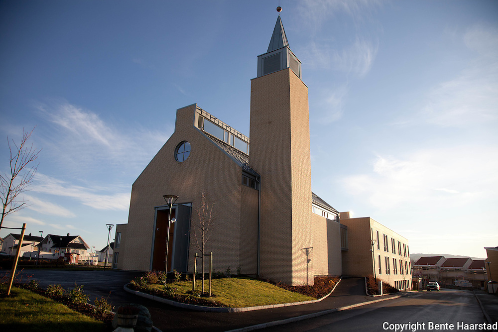 The Bridgettine Sisters started their apostolate in Trondheim in 1998. The new Bridgettine Convent was opened in August 2009, and the new Convent Church in December 2010.