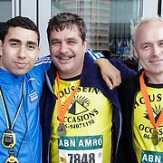 NLD/Rotterdam/20120616 - Deel cast filmopname De Marathon, Mimoun Oaïssa, Frank Lammers en Marcel Hensema