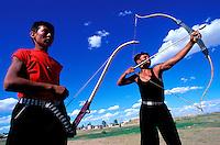 Mongolie, Khentii province, Fête du Naadam, Tournoi de tir a l arc // Mongolia, Khentii province, Naadam festival, archery tournament