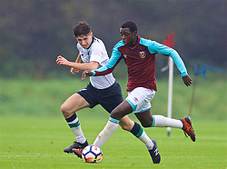 LONDON, ENGLAND - Saturday, November 4, 2017: West Ham United's Jeremy Ngakia during the Under-18 Premier League Cup Group D match between West Ham United FC and Liverpool FC at Little Heath. (Pic by David Rawcliffe/Propaganda)