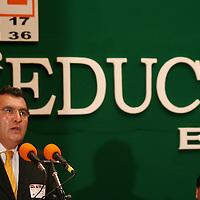 """Toluca, Mex.- Isidro Muñoz Rivera, Secretario de Educacion, durante el IV Congreso Nacional de Educacion """"Educar es el camino"""". Agencia MVT / Carlos Tischler (DIGITAL)<br /> <br /> <br /> <br /> NO ARCHIVAR - NO ARCHIVE"""