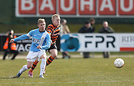 FODBOLD: Anders Nielsen (FC Roskilde) i kamp med Mads Aaquist (FC Helsingør) under kampen i Bet25 Ligaen mellem FC Roskilde og FC Helsingør den 24. marts 2016 i Roskilde Idrætspark. Foto: Claus Birch