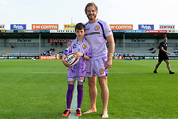 Match mascot with Gareth Steenson prior to kick off  - Mandatory by-line: Ryan Hiscott/JMP - 21/09/2019 - RUGBY - Sandy Park - Exeter, England - Exeter Chiefs v Bath Rugby - Premiership Rugby Cup
