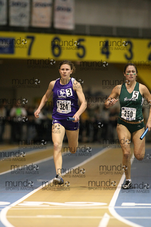 Windsor, Ontario ---13/03/09--- Jen Cotten of  the University of Western Ontario competes in the 4 X 200 meter relay at the CIS track and field championships in Windsor, Ontario, March 13, 2009..GEOFF ROBINS Mundo Sport Images