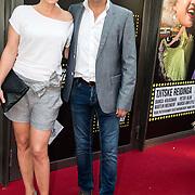 NLD/Amsterdam/20150604 - Premiere In de Ban van Broadway, Wieneke Remmers en partner Rein Kolpa