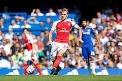 Calum Chambers of Arsenal in action - Mandatory byline: Rogan Thomson/JMP - 07966 386802 - 19/09/2015 - FOOTBALL - Stamford Bridge Stadium - London, England - Chelsea v Arsenal - Barclays Premier League.