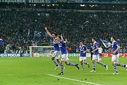 13.04.2011, Veltins Arena, Gelsenkirchen, GER, UEFA CL Viertelfinale, Rueckspiel, FC Schalke 04 (GER) vs Inter Mailand (ITA), im Bild: Torjubel / Jubel nach dem 2:1 durch Benedikt Hoewedes (Schalke #4)  EXPA Pictures © 2011, PhotoCredit: EXPA/ nph/  Mueller       ****** out of GER / SWE / CRO  / BEL ******
