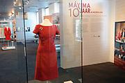Beatrix opent tentoonstelling M&aacute;xima, 10 jaar in Nederland.//<br /> Queen Beatrix opens the exibition Maxima 10 years in the Netherlands