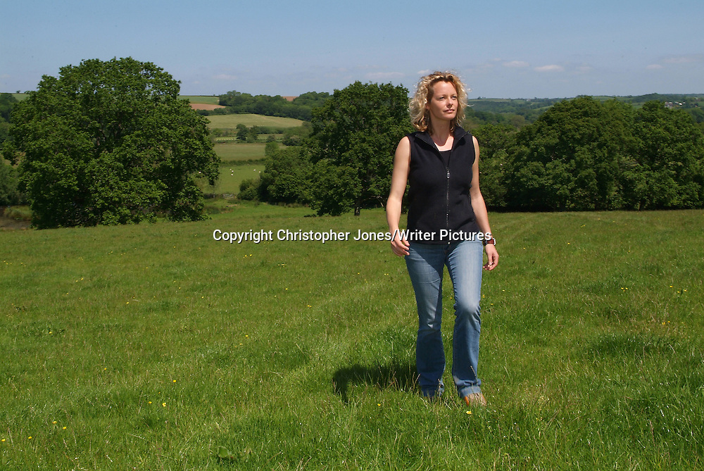 Kate Humble in the Devon countryside<br /> 4th May 2004<br /> <br /> Photograph by Christopher Jones/Writer Pictures<br /> <br /> WORLD RIGHTS