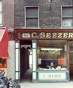 old dublin street photos 1983 c seezer shop. 40