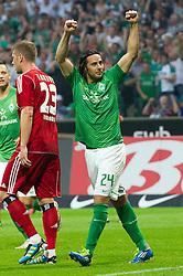 10.09.2011, Weser Stadion, Bremen, GER, 1.FBL, Werder Bremen vs Hamburger SV, im Bild.1:0 durch Claudio Pizarro (Bremen #24) Jubel // during the Match GER, 1.FBL, Werder Bremen vs Hamburger SV on 2011/09/10,  Weser Stadion, Bremen, Germany..EXPA Pictures © 2011, PhotoCredit: EXPA/ nph/  Kokenge       ****** out of GER / CRO  / BEL ******