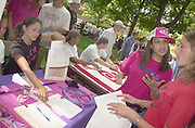 16597Freshman Convocation March from Convo to College Green: Pres. McDavis greeting walking w/students..Heather Haynes Talks to Katie Brown(right)..Left:Lizz Warren(white Shirt) Jisabelle Garcia(black Shirt)..Lambda Gamma