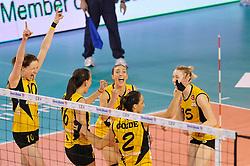 09-04-2016 ITA: CEV DenizBank Champions League Fenerbahce Grundig Istanbul - VakıfBank Istanbul, Montichiari<br /> Vakifbank wint met 3-0 en plaatst zich voor de finale / Lonneke Sloetjes #10<br /> <br /> ***NETHERLANDS ONLY***