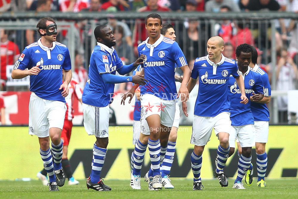 30.04.2011, Allianz Arena, Muenchen, GER, 1.FBL, FC Bayern Muenchen vs FC Schalke 04 , im Bild  Jubel nach dem 1-1 , EXPA Pictures © 2011, PhotoCredit: EXPA/ nph/  Straubmeier       ****** out of GER / SWE / CRO  / BEL ******
