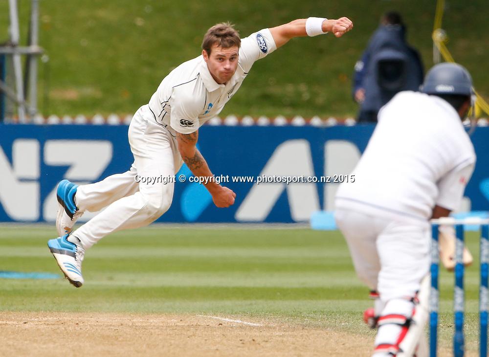 Doug Bracewell bowls. Fifth day, second test, ANZ Cricket Test series, New Zealand Black Caps v Sri Lanka, 07 January 2015, Basin Reserve, Wellington, New Zealand. Photo: John Cowpland / www.photosport.co.nz