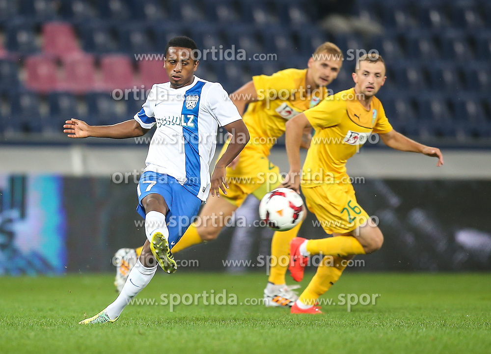31.07.2014, Red Bull Arena, Salzburg AUT, UEFA EL Qualifikation, FC Groedig vs FC Zimbru Chisinau, dritte Runde, Hinspiel, im Bild Yordy Reyna, (SV Scholz Groedig, #17) und Alexandro Vremea, (FC Zimbru Chisinau, #26) // during UEFA Europe League Qualifier first leg 3rd round between FC Groedig and FC Zimbru Chisinau at the Red Bull Arena in Salzburg, Austria on 2014/07/31. EXPA Pictures © 2014, PhotoCredit: EXPA/ Roland Hackl