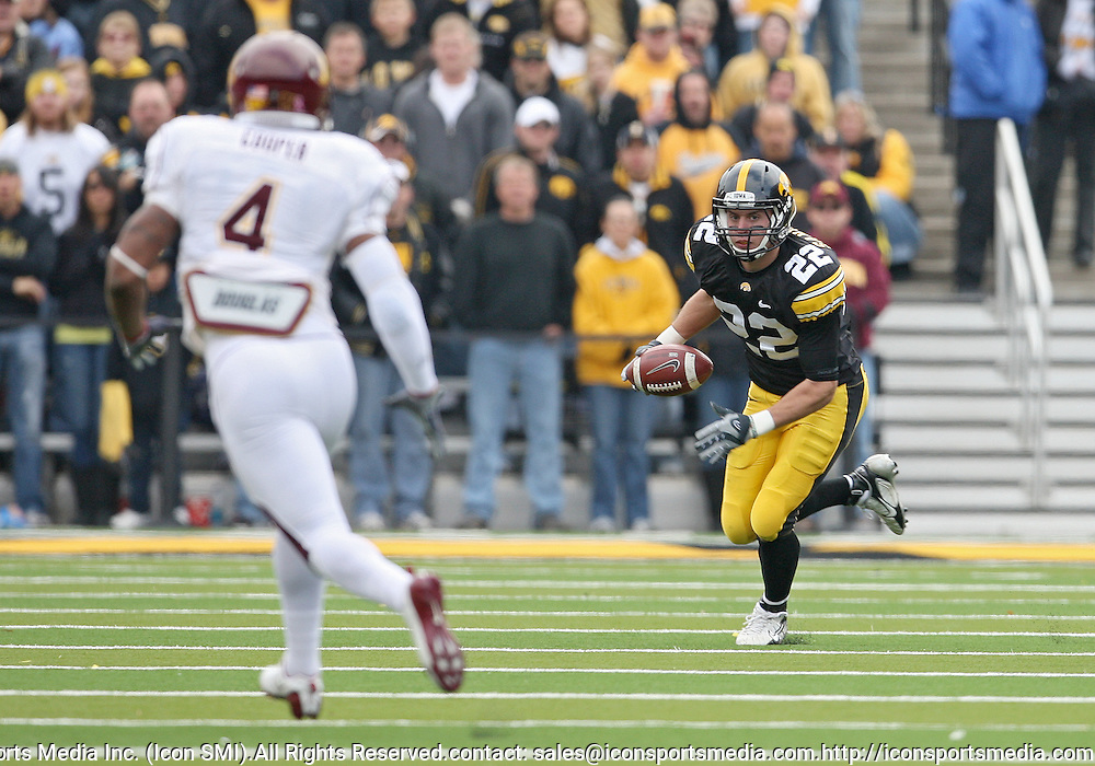 November 21, 2009: Iowa punt returner Colin Sandeman (22) during the first half of the Iowa Hawkeyes 12-0 win over the Minnesota Golden Gophers at Kinnick Stadium in Iowa City, Iowa on November 21, 2009.
