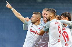 26.07.2017, Red Bull Arena, Salzburg, AUT, UEFA CL, FC Salzburg vs HNK Rijeka, Qualifikation, 3. Runde, Hinspiel, im Bild Torjubel Salzburg nach dem Ausgleich zum 1:1 durch Hee Chan Hwang (FC Red Bull Salzburg), Valon Berisha (FC Red Bull Salzburg), Duje Caleta-Car (FC Red Bull Salzburg), Munas Dabbur (FC Red Bull Salzburg) // during the UEFA Championsleague Qualifier 3rd round, 1st leg match between FC Salzburg and HNK Rijeka at the Red Bull Arena in Salzburg, Austria on 2017/07/26. EXPA Pictures © 2017, PhotoCredit: EXPA/ JFK