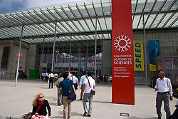People walking into the California Academy of Sciences, San Francisco, California, United States of America