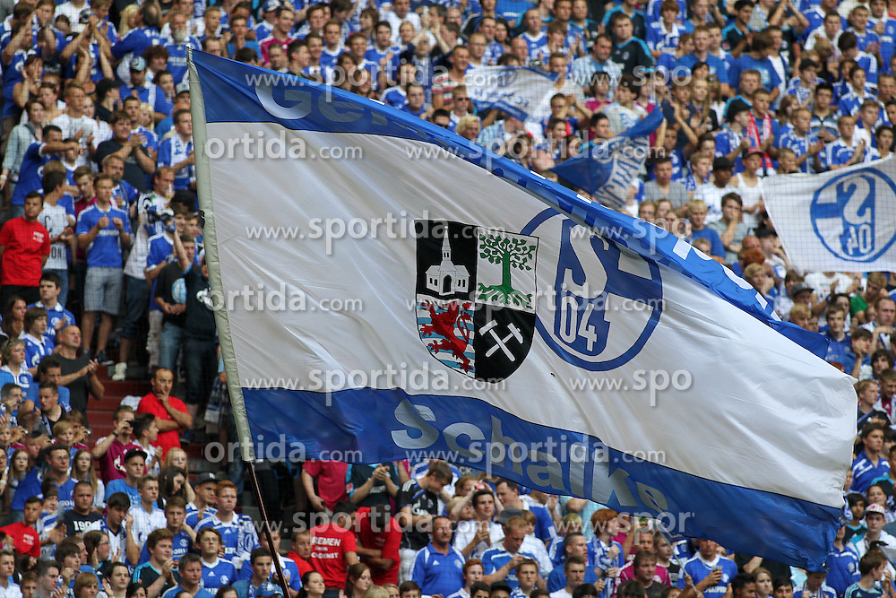 Football: Germany, 1. Bundesliga, Schalke 04.Fans.© pixathlon