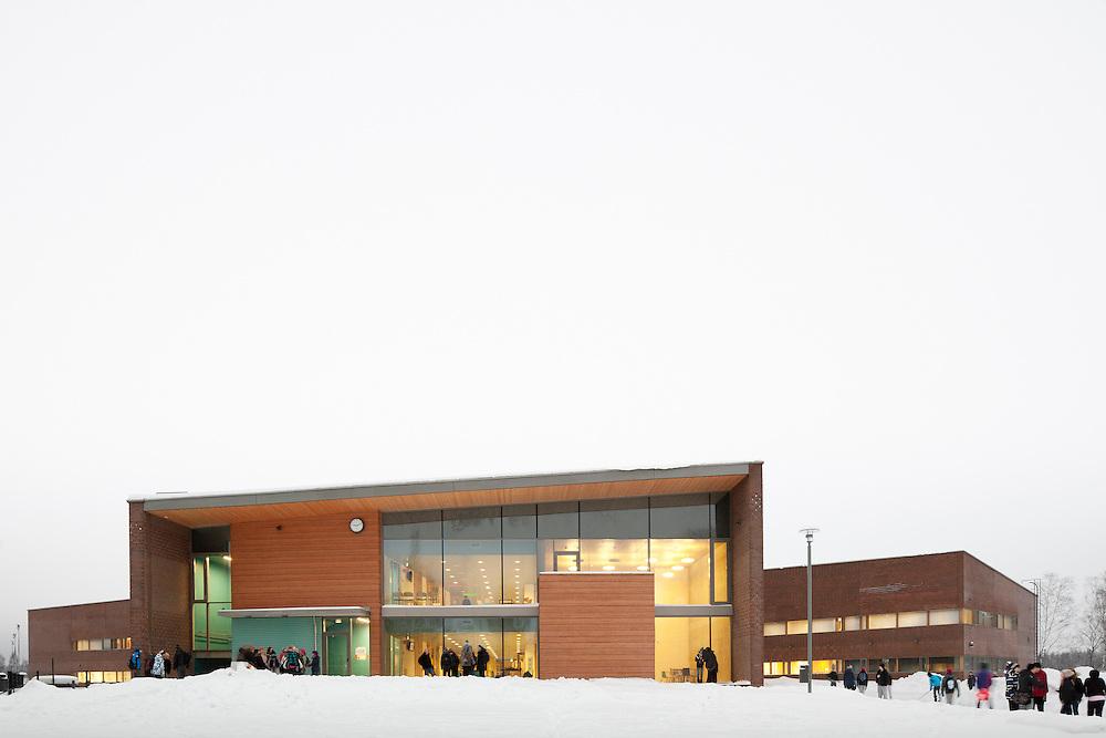 Kirkkojärven koulu - Kirkkojärvi school in Espoo, Finland designed by Verstas architects. Completed in 2010.