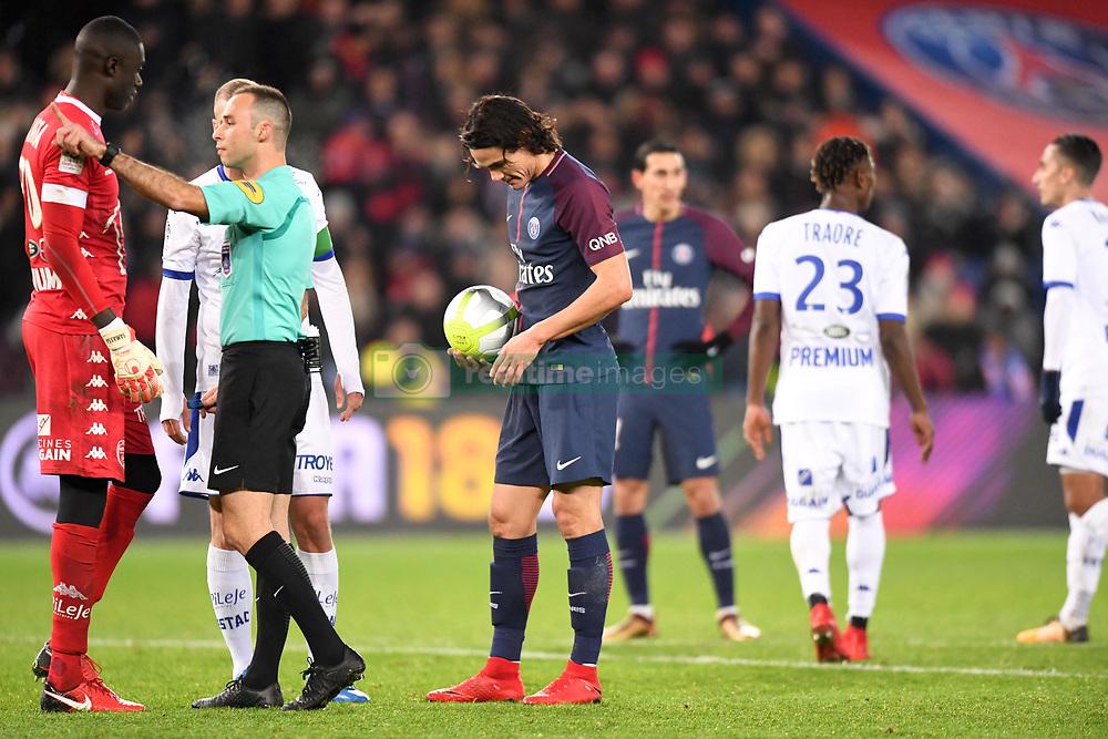 November 29, 2017 - Paris, France - 09 EDINSON CAVANI (psg) - PENALTY (Credit Image: © Panoramic via ZUMA Press)
