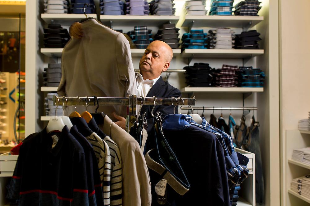 Belo Horizonte_MG, Brasil.<br /> <br /> Carlos Lima, fundador e dono da Sketch, especializada em moda masculina.<br /> <br /> Carlos Lima, founder and owner of Sketch, specializing in mens fashion.<br /> <br /> Foto: LEO DRUMOND / NITRO