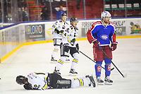 Ishockey , GET-Ligaen , Eliteserien <br /> 5. Mars 2016  , 20160305<br /> Vålerenga Hockey - Stavanger Oilers <br /> Mike Hoeffel nede for telling etter en tackling<br /> Foto: Sjur Stølen / Digitalsport