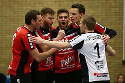 20160130 NED: Volleybal: Inter Rijswijk - Prins VCV, Rijswijk <br />Prins VCV wint met 3-2, Bart Yark,Jesse Kling, Jente de Vries