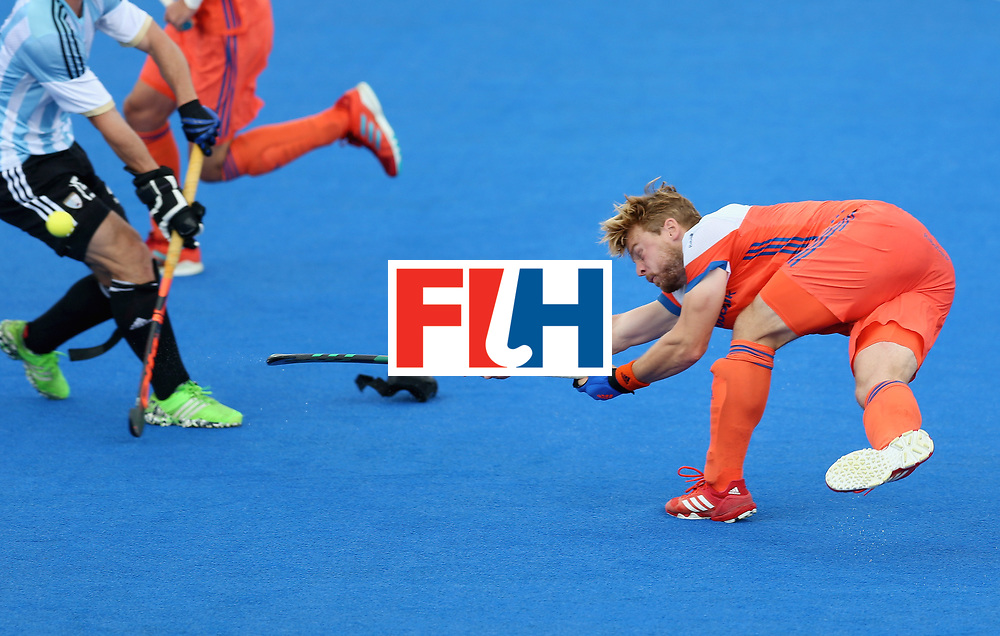 LONDON, ENGLAND - JUNE 25: Mink van der Weerden of the Netherlands shoots from a penalty corner during the final match between Argentina and the Netherlands on day nine of the Hero Hockey World League Semi-Final at Lee Valley Hockey and Tennis Centre on June 25, 2017 in London, England. (Photo by Steve Bardens/Getty Images)