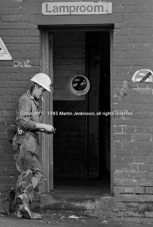 Miner smoking a cigarette before going work on the last day at Cortonwood pit. 25-10-1985