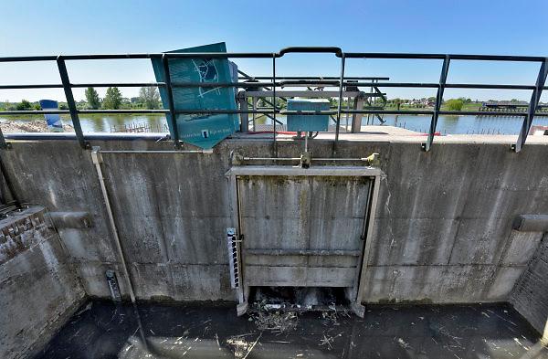 Nederland, the Netherlands, Zutphen, 7-5-2018De IJsselkade in deze stad wordt opgehoogd tot deltahoogte om de komende jaren extreme waterstanden aan te kunnen. Ook de monding van het riviertje de Berkel wordt vernieuwd.Foto: Flip Franssen