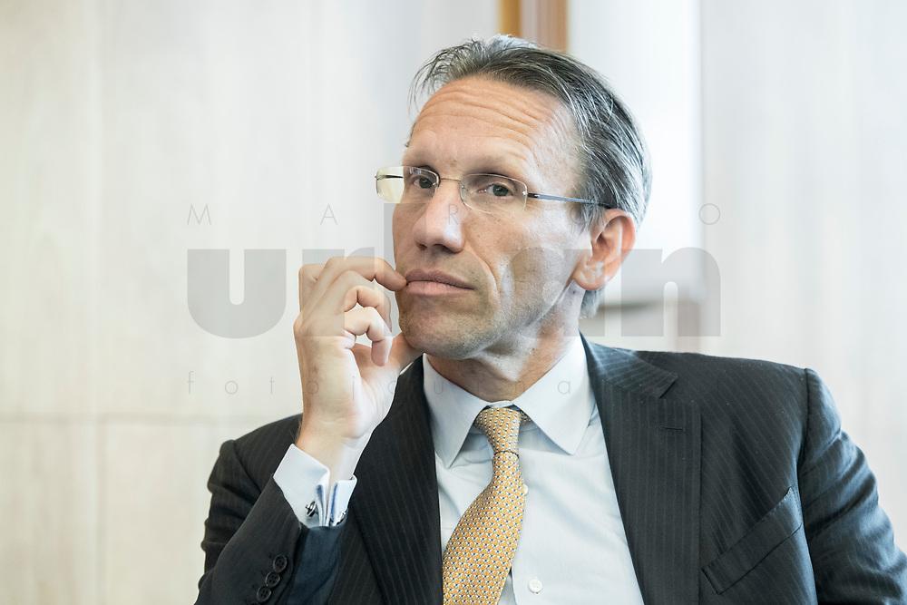 """18 JUN 2018, BERLIN/GERMANY:<br /> Dr. Joerg Kukies, Staatssekretaer im Bundesministerium der Finanzen, Veranstaltung Wirtschaftsforum der SPD: """"Finanzplatz Deutschland 2030 - Vision, Strategie, Massnahmen!"""", Haus der Commerzbank<br /> IMAGE: 20180618-01-104<br /> KEYWORDS: Jörg Kukies"""