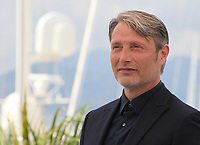 Actor Mads Mikkelsen at the Arctic film photo call at the 71st Cannes Film Festival, Thursday 10th May 2018, Cannes, France. Photo credit: Doreen Kennedy