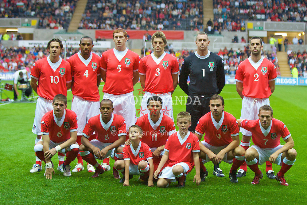SWANSEA, WALES - TUESDAY, AUGUST 15th, 2006: Wales' team lines-up to face Bulgaria during the International Friendly match at the Liberty Stadium. ..Back row L-R: Simon Davies, Danny Gabbidon, James Collins, Sam Ricketts, Paul Jones, Mark Delaney. Front row L-R: Carl Robinson, Robert Earnshaw, Ryan Giggs, Carl Fletcher, Craig Bellamy. (Pic by David Rawcliffe/Propaganda)