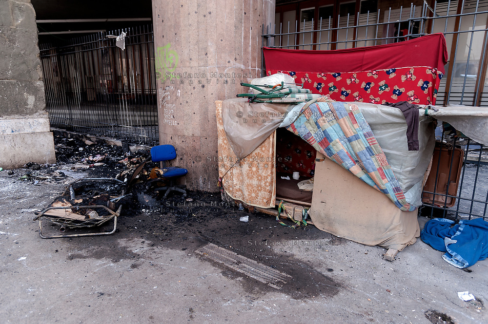 """ROME, ITALY - APRIL 16: The arson some shacks  made of cardboard in Via Marsala, near the Termini station in the area frequented by the homeless near the canteen of Caritas, two burns among the homeless. The flames  they've caused """"extensive damage"""" to the external structure of the """"Don Luigi Di Liegro"""" hostel of Caritas, causing the partial collapse of the false ceiling and the lights, also damaged the Arch of Sixtus V built in 1585 on April 16, 2018 in Rome, Italy.  (Photo by Stefano Montesi)"""