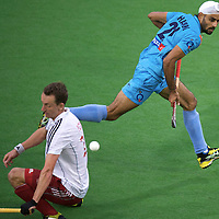 MELBOURNE - Champions Trophy men 2012<br /> England v India<br /> foto: Dan Fox stops Singh Chandi<br /> FFU PRESS AGENCY COPYRIGHT FRANK UIJLENBROEK