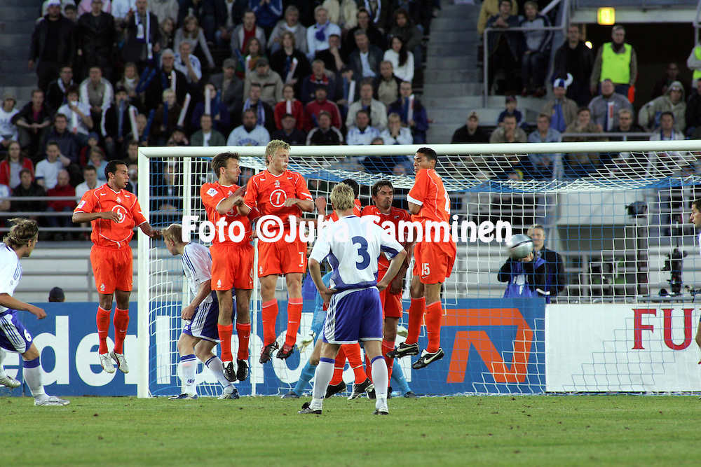 08.06.2005, Olympic Stadium, Helsinki, Finland..FIFA World Cup 2006 Qualifying Match, .Finland v The Netherlands.Ducth wall jumps and Mika V?yrynen puts wide a freekick..©Juha Tamminen.....ARK:k