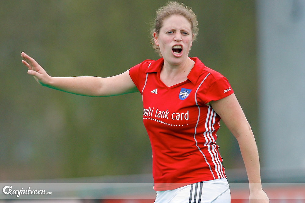 ROTTERDAM - Rotterdam - Hurley, Rabo Hoofdklasse dames, seizoen 2010-2011, 03-04-2011, Yael Goudsmit van Hurley