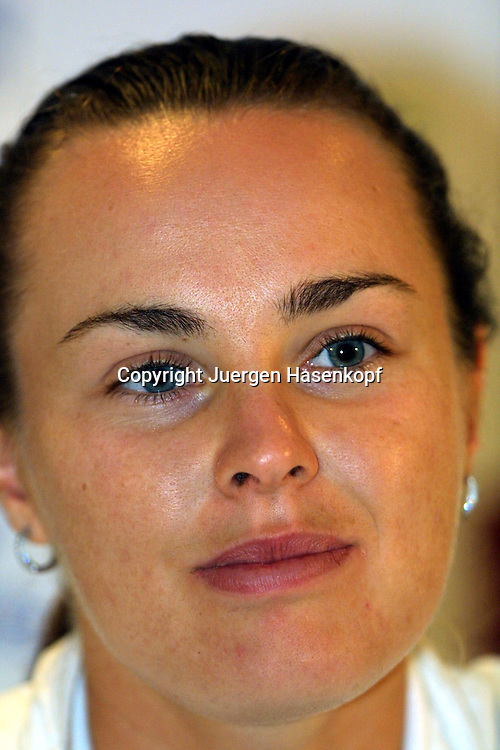 Sport,Tennis,Hopman Cup in Perth,Mixed Double, .Martina Hingis,(SUI)<br /> Pressekonferenz,Portraet,<br /> portrait,.06.01.2001,