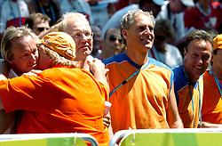 18-08-2004 WIELRENNEN: TIJDRIT OLYMPIC GAMES: ATHENE<br /> Joop Alberda, Erica Terpstra, Marcel Sturkenboom en Peter Vogelzang<br /> ©2004-WWW.FOTOHOOGENDOORN.NL